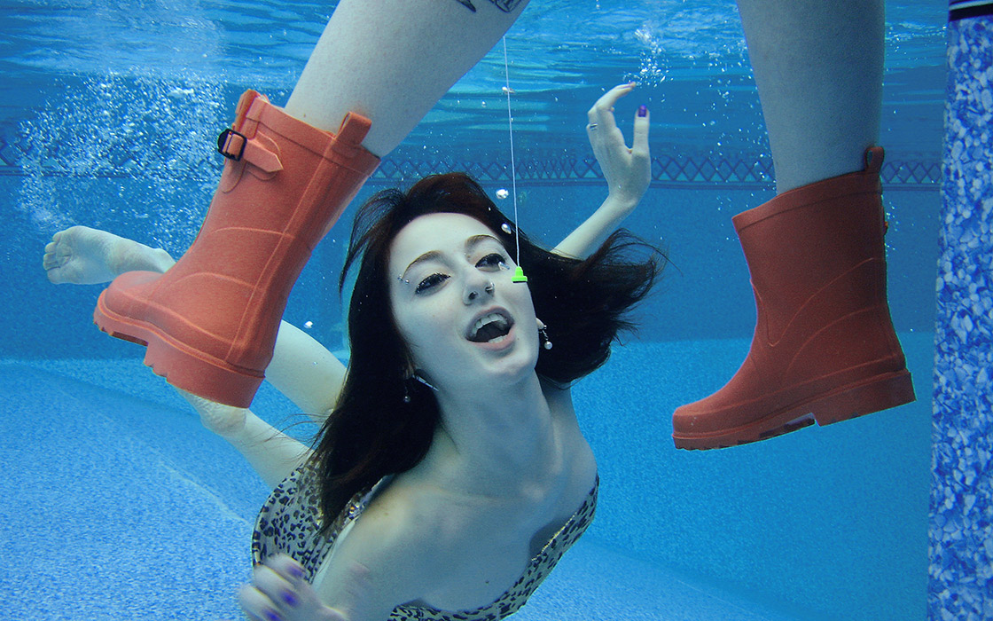 underwater glamour photography